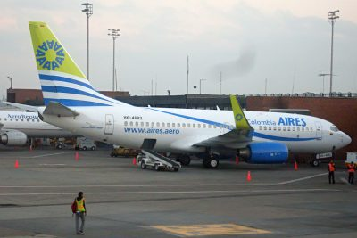 AIRES-737-700