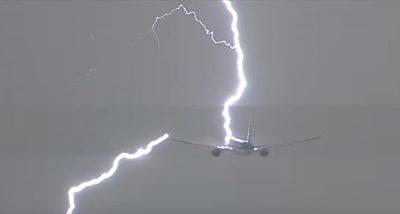 Un-rayo-impactó-a-un-avión-con-destino-a-Perú